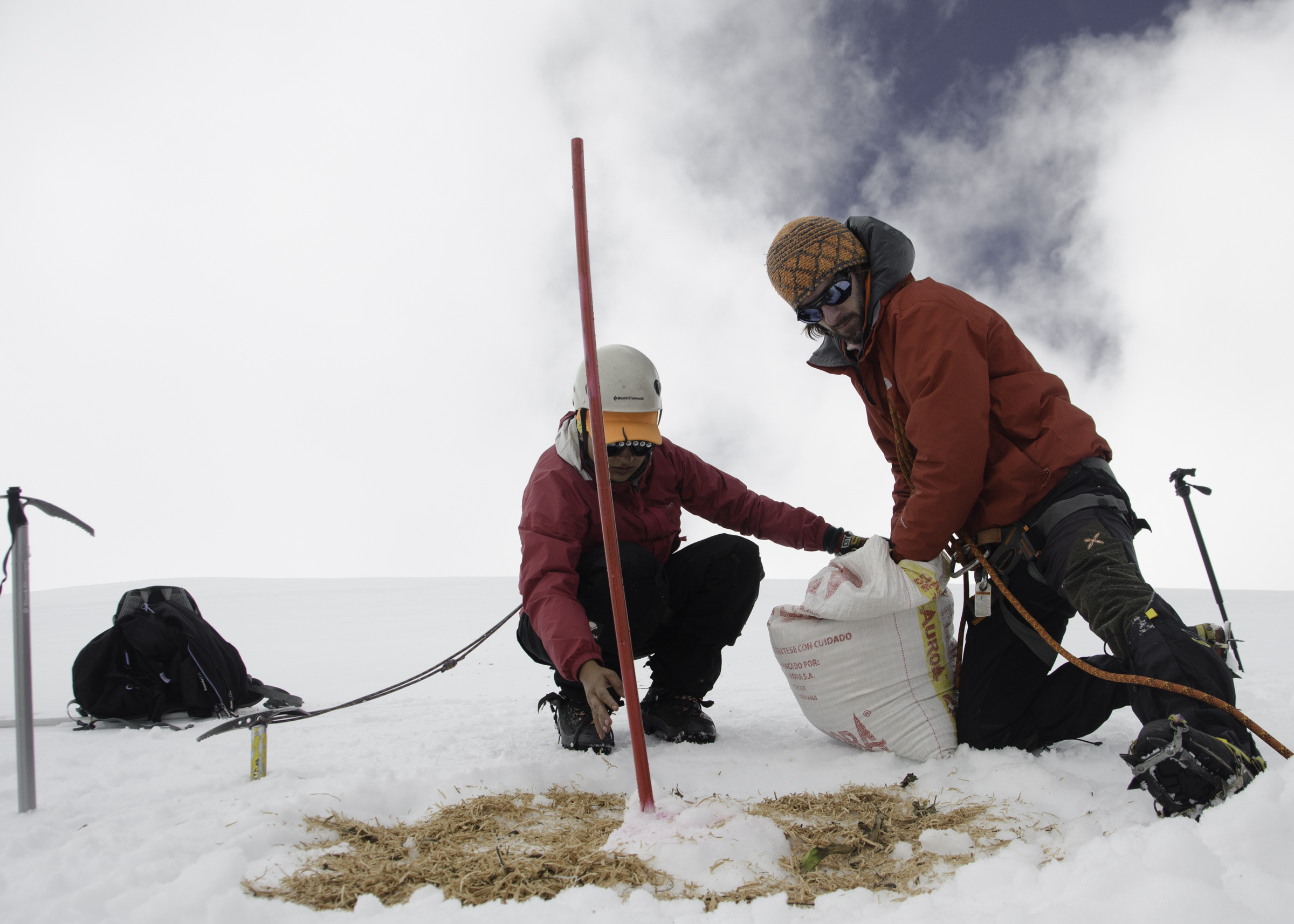 Accumulation stake measurements in the Cocuy mountains, Colombia (P. Rastner)